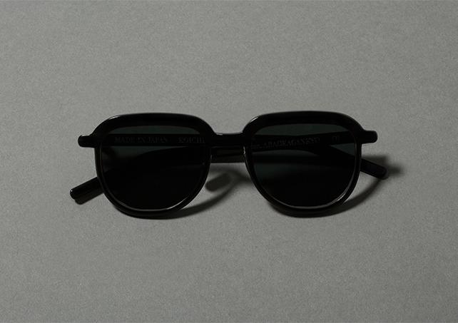 Glasses_C_02b